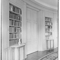 Henry W. Bagley, Bellehaven, residence in Greenwich, Connecticut. Library, sharp view of bookcases