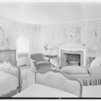 Henry W. Bagley, Bellehaven, residence in Greenwich, Connecticut. Master bedroom, to fireplace