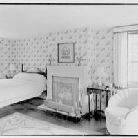 Henry W. Bagley, Bellehaven, residence in Greenwich, Connecticut. Quarry cottage, bedroom, to fireplace