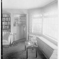 Stanley R. Miller, residence on E. Middle Patent Lane, Greenwich, Connecticut. Library, to bar