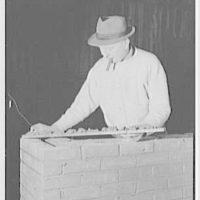 Brick Manufacturers Association. Bricklaying setup II