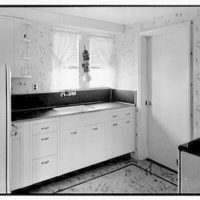 Lifehouse no. 3, Harbour Green, Massapequa, Long Island. Kitchen