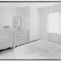 Lifehouse no. 3, Harbour Green, Massapequa, Long Island. Master bedroom, to dresser