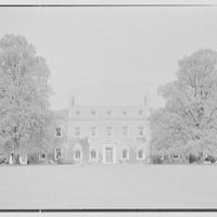 Mrs. Richard M. Tobin, residence in Syosset, Long Island. Garden facade