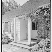 Robert I. Powell, residence on Riverbank Rd., RFD no. 1, Stamford, Connecticut. Entrance detail