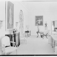 Edwin V. Quinn, residence on Ocean Blvd., Palm Beach, Florida. Living room, side wall and paintings