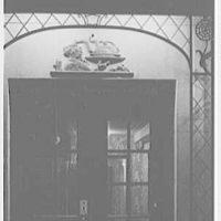 Elizabeth D. Reynolds, business at 132 E. 48th St., New York City. Medallion, close-up