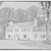George W. Tidd, residence on Elderfield Rd., Flower Hill, Manhasset, Long Island. Entrance facade from right