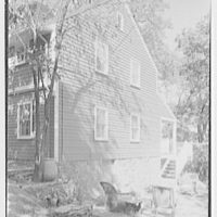 Mrs. Archer H. Brown, residence on Fairfield Ave., Greenwich, Connecticut. Terrace detail