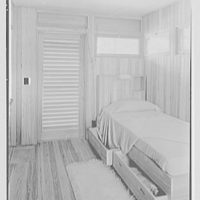 Robert Glassford, residence in Hobe Sound, Florida. Guest room type II, bed with open storage drawers