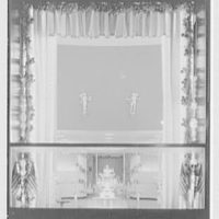 Steuben Glass, business at 718 5th Ave., New York City. Show window, vertical