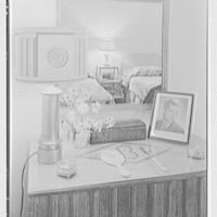 V.E. Baikow, residence at 130 E. 93rd St., New York City. Bedroom detail