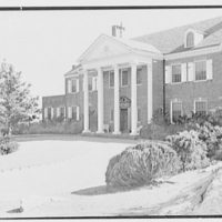 Edwin J. Beinecke, residence on Cliffdale Rd., Greenwich, Connecticut. Entrance facade from right over rock