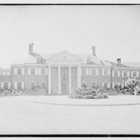 Edwin J. Beinecke, residence on Cliffdale Rd., Greenwich, Connecticut. Entrance facade, axis