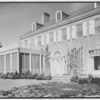 Edwin J. Beinecke, residence on Cliffdale Rd., Greenwich, Connecticut. Terrace