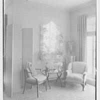 Emma Romeyn, residence at 30 Sutton Pl., New York City. Group at flower window