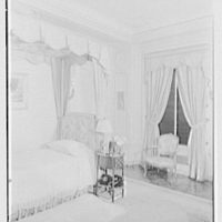 Mrs. Edward Harkness, residence at 1 E. 75th St., New York City. Bedroom