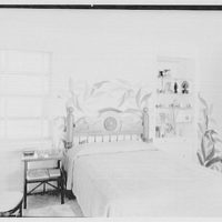 Mrs. Worthington Scranton, residence in Hobe Sound, Florida. Mrs. Scranton's bedroom, to bed