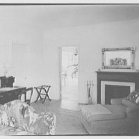 Mrs. Worthington Scranton, residence in Hobe Sound, Florida. Mrs. Scranton's bedroom, to fireplace