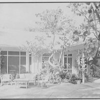 Mrs. Worthington Scranton, residence in Hobe Sound, Florida. Patio, cross view