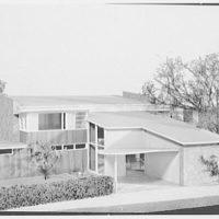 Model prize houses. Tichy IV
