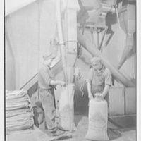 Rahr Malting Co., Shakopee, Minnesota. Bagging machines II