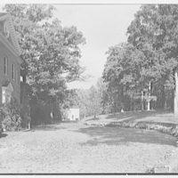 Paul Mellon, residence in Upperville, Virginia. Entrance facade, sharp view
