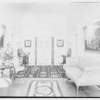 Paul Mellon, residence in Upperville, Virginia. Entrance hall, to front door