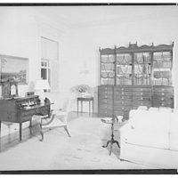 Paul Mellon, residence in Upperville, Virginia. Living room, to secretary