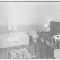Paul Mellon, residence in Upperville, Virginia. Mrs. Mellon's bathroom