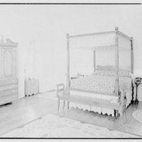 Paul Mellon, residence in Upperville, Virginia. Mrs. Mellon's bedroom, to bed