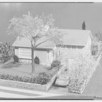 Raymond Barger Studio, Stamford, Connecticut. Grey and white model I
