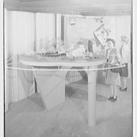 Raymond Barger Studios, Stamford, Connecticut. Model no. 1 with figures