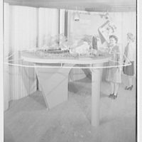 Raymond Barger Studios, Stamford, Connecticut. Model no. 1, with figures