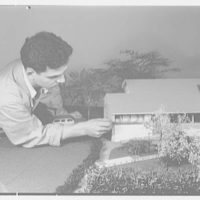Raymond Barger Studios, Stamford, Connecticut. Model no. 3, with figure