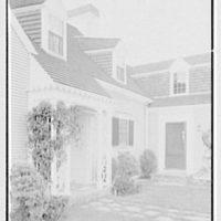 Robert Winslow, residence on Quanset Rd., East Orleans, Massachusetts. Entrance detail