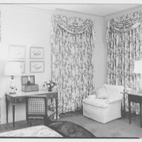 Mr. and Mrs. Theron Catlin, residence at 41 W. Brentmoor Park, Saint Louis, Missouri. Mr. Catlin's bedroom, to desk