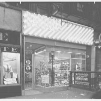 Barton's, business at 86th St. and Lexington Ave., New York City. Exterior