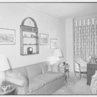 Mrs. Paul Renshaw, residence at 620 Park Ave., New York City. Den