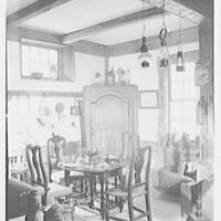 Mrs. Lawrence Ullman, business on Prospect Ave., Tarrytown, New York. Round table group