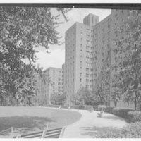 Parkchester, Bronx, New York. Large grass oval I