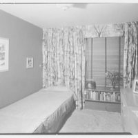 DeBrown and Zellers, 44 E. 80th St., New York City. Bedroom window III