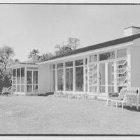 E.H. Wobbers, residence in Westhampton Beach, New York. Close-up garden, facade