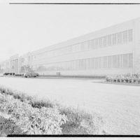 Helena Rubinstein, Inc., Roslyn, Long Island. Main facade (sharp)