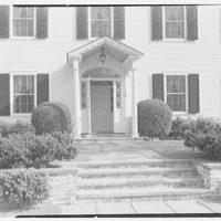 Mrs. Harold I. Pratt, residence on Shutter Lane, Oyster Bay, Long Island. Entrance detail