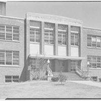 Walter S. Dolan Junior High School, Tom's Rd., Stamford, Connecticut. Center section