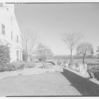 Robert M. Hillas, residence at Indian Harbor, Greenwich, Connecticut. Terrace