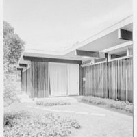 Morris Winograd, residence on Fountain Rd., Englewood, New Jersey. Detail of entrance
