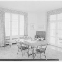 Mrs. George H. Huntington, residence on Dodgewood Rd. and Independence Ave., Riverside-on-Hudson, New York. Dining room