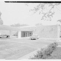 Stouffer's restaurant, Lancaster Ave., Philadelphia. Parking, to entrance
